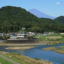 *客室からの眺め/お部屋からは狩野川と箱根連山の景色を一望