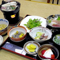 *夕食一例/素朴ながらも、長野の土地柄を感じる味覚。