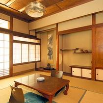 *和室8畳一例/畳が心地いい快適な空間です。