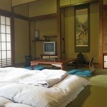 *和室10畳一例/少し広めのお部屋でゆったり滞在