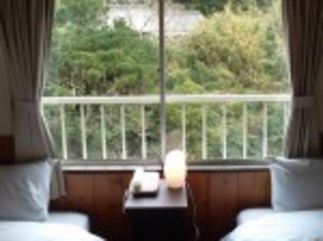 ロフト付き洋室 3人用(窓からの景色)