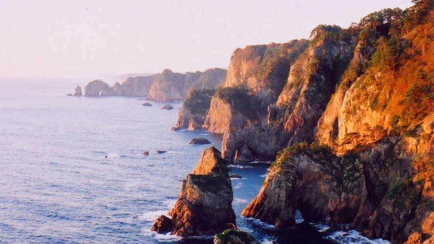 *【北山崎】ダイナミックな海岸線が続く絶景スポット。別名「海のアルプス」。