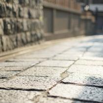 石塀小路(昼)