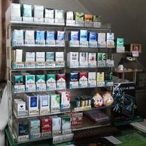 フロントでタバコも販売しております♪