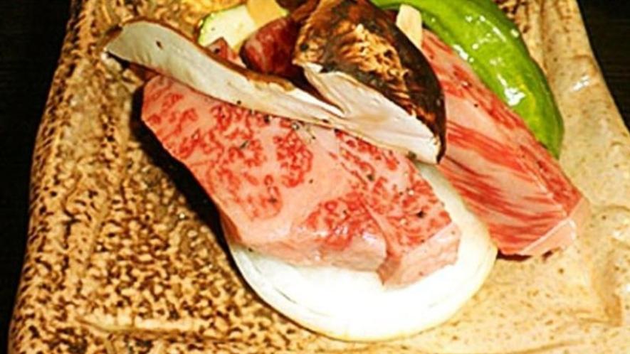 【夕食】近江牛のミニステーキ