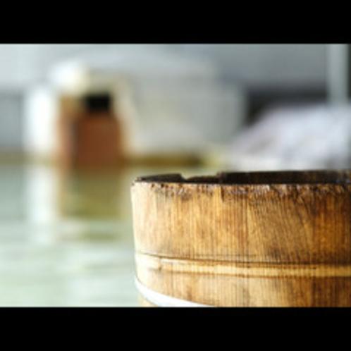 温泉の泉質は弱アルカリ性で小さなお子様にも安心♪