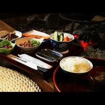 【朝食】ご飯は会津産こしひかり、お味噌は自家製昔懐かしい味