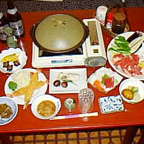 夕食は和食で季節によって内容が変わります。