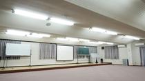 *設備一例:多目的ホール(音楽研修室)