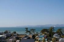 客室より浜名湖対岸の湖西連峰を望む