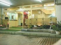 当館の玄関