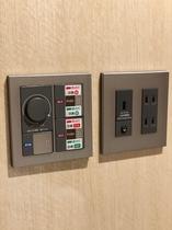 キャビン内 空調切替スイッチ・コンセント・USBコンセント