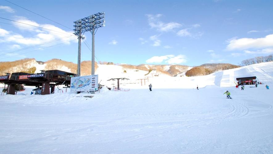 *スノーパーク尾瀬戸倉スキー場/20以上のアイテムを設置したスノーパークは楽しみ方いろいろ★