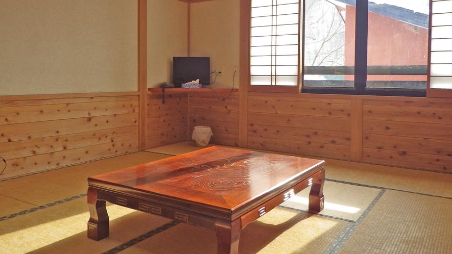 *【客室一例】山小屋風の和室でのんびりとおくつろぎください。