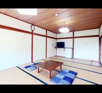 広々として明るい和室(14畳)でごゆっくりお寛ぎ下さい★*