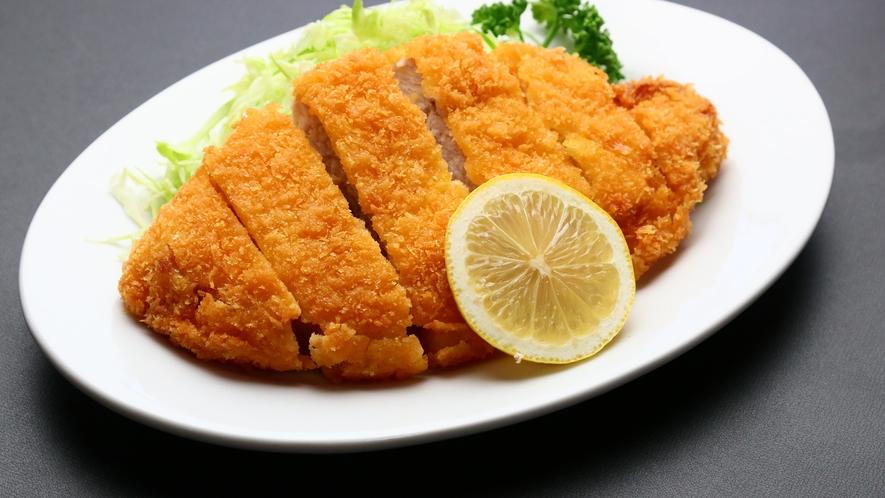 ボリューム満点!日替わり夕食♪(一例)16