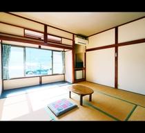 日当たりの良い暖かな和室(8畳)*
