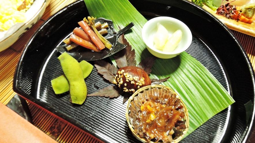 *【料理】夕食一例でございます。自家製野菜を使った前菜♪