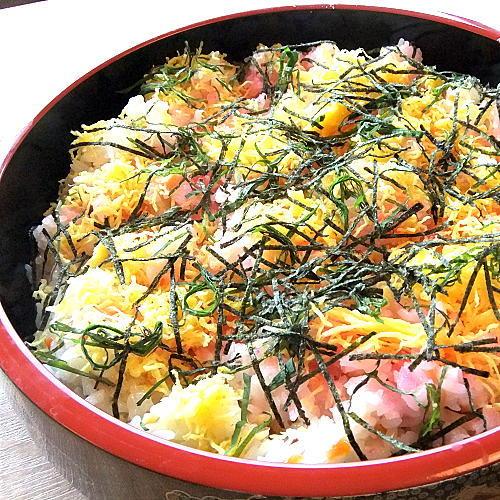 【ディナーメニュー】〜ちらし寿司〜こちらも人気のメニューです♪