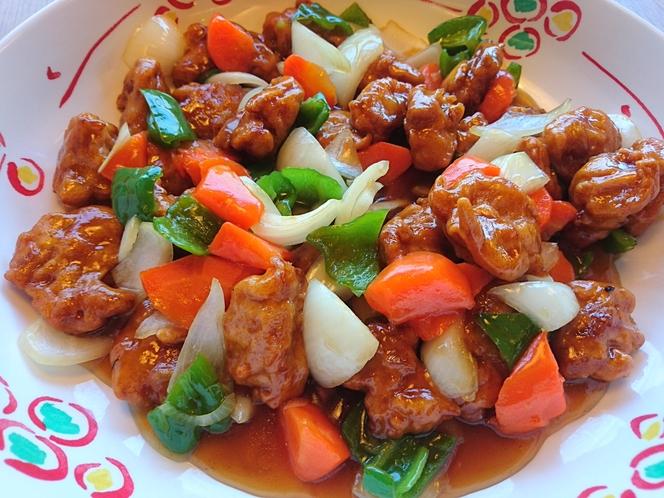 【ディナーメニュー】~酢豚~豚肉と野菜に甘酸っぱいあんが程よく絡んでおいしい☆