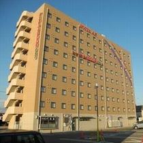 【外観】9階建て シングル173室、ダブル12室、ツイン12室