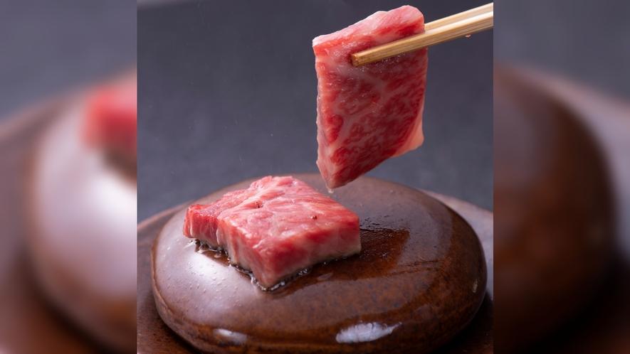 黒毛和牛特選肉コース一品石焼