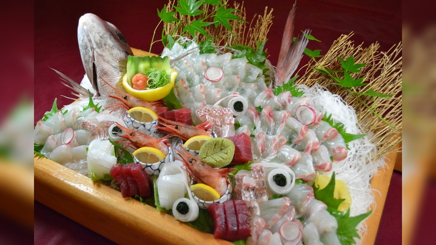 【おおにぎわい会席】豪華鯛の姿造り 又は「造り七種盛」からお選び下さい。(季節で内容が変わります)