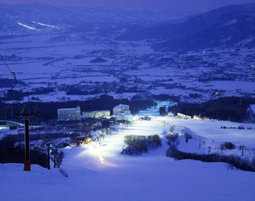 【お先でスノ。】2021-22 スキーシーズン♪スタンダードプラン ☆ゲレンデまで徒歩0分!☆