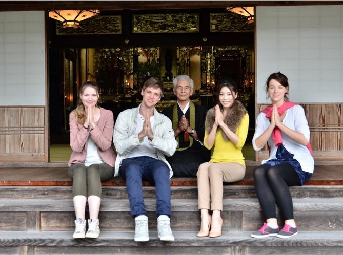 近くのお寺で鐘つき体験
