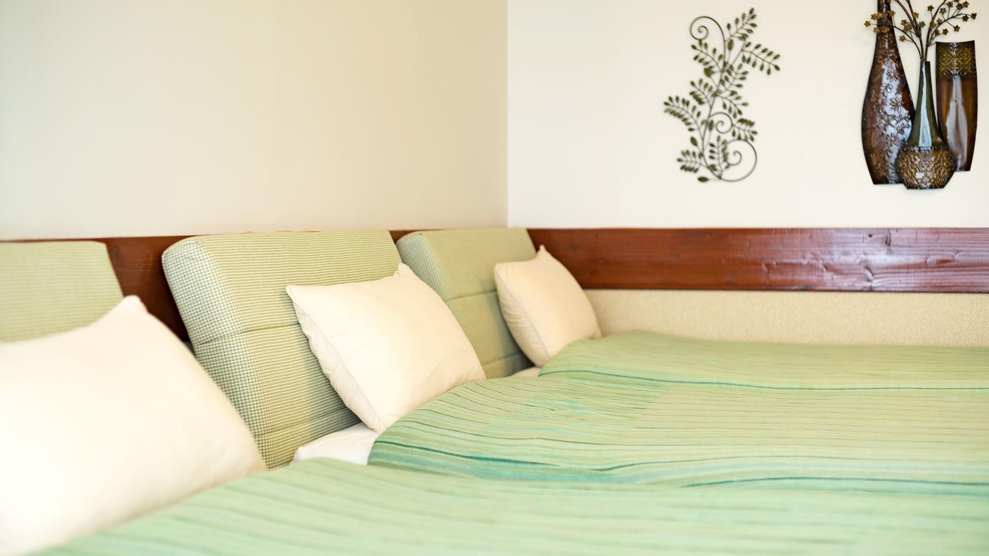 *【部屋/ナポリ】3つベッドを置いても広々としたお部屋。