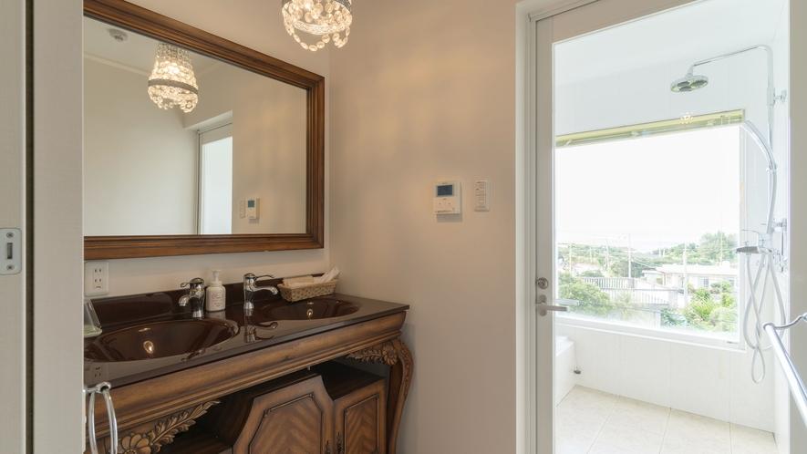 *【部屋/ナポリ】完全独立の洗面台とバスルーム。