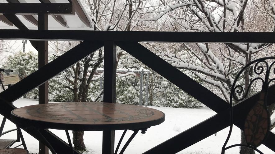 テラスからの雪景色