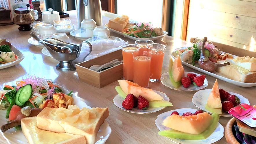和洋選べる朝食の例(洋食)