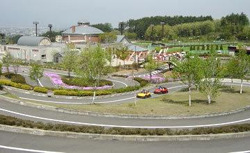 小坂田公園(車で10分)