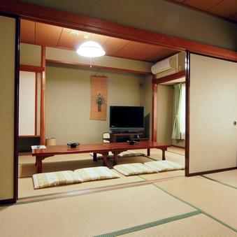 のんびり寛げる二間続きの和室《8畳×8畳》