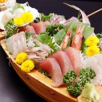 【舟盛り】豪華伊豆の海の幸をダイレクトに味わえる!お酒も進みます♪