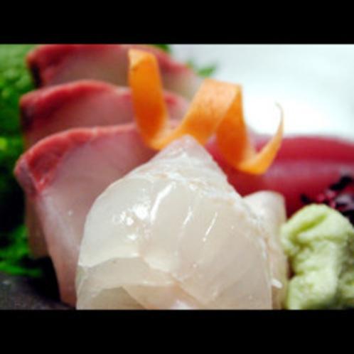 ★料理長がその日仕入れの新鮮魚介をお造りにしておもてなしをさせていただきます★