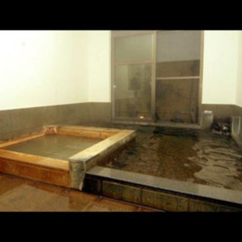 ★地元の山で採掘される、福光石を使用した石風呂です。