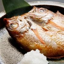 ★ご朝食では地産地消の新鮮なお魚を、食後は珈琲でおもてなし