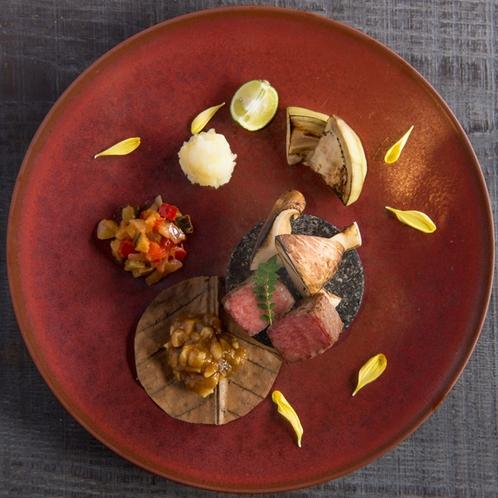 【ご夕食 一例】見た目の豪華さにとらわれない、本当に質の良い料理をお出ししたい想いがあります。