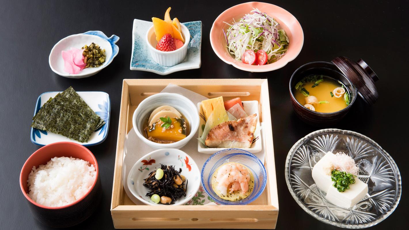 *【朝食】料理一例 朝食も、地元の新鮮な食材を使用しています!