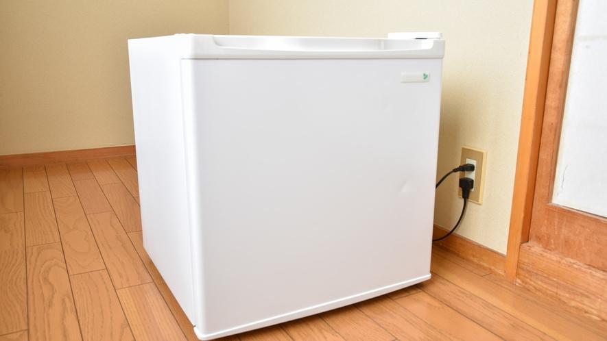 *【お部屋】空の冷蔵庫完備しております!