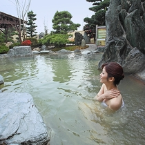 【温泉】こんこんと湧き出る「元湯100%かけ流しの湯」