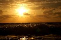 長間浜の夕陽スポット