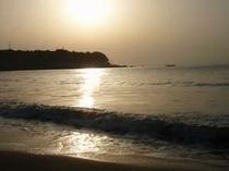 今井浜ビーチで朝日