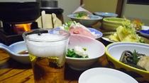 *夕食(一例)ビールで乾杯!のあとは、新潟の食材を多く使った夕食をご堪能ください。
