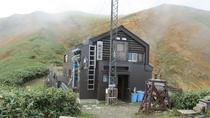 *駒の小屋/越後駒ケ岳登山の緊急避難小屋です。