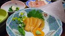 *夕食(一例)お刺身は日によって内容が変わります。