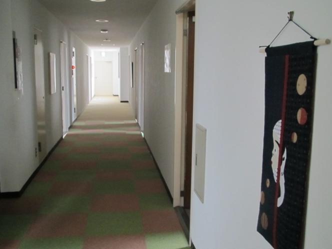 館内(廊下3F)