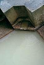 大涌谷のにごり湯をかけ流しで満喫